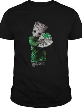 Baby Groot hug SpVgg Greuther Frth shirt